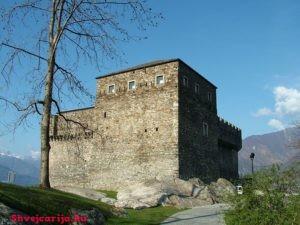 Замок Сассо Корбаро. Castello di Sasso Corbaro
