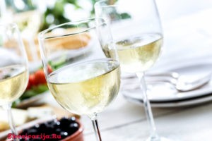 Белые швейцарские вина