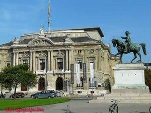 Новая площадь в Женеве. Place Neuve